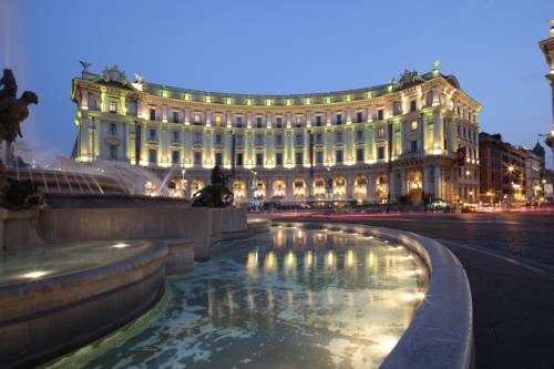 Best hotel to get free loyalty program reward nights in Rome : Boscolo Exedra Roma, Autograph Collection